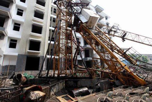 湖北宜昌一工地塔吊倒塌致5人死亡-事故动态-环境