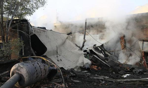 工厂钢构大门-爆炸2人受伤 钢结构厂房被炸塌